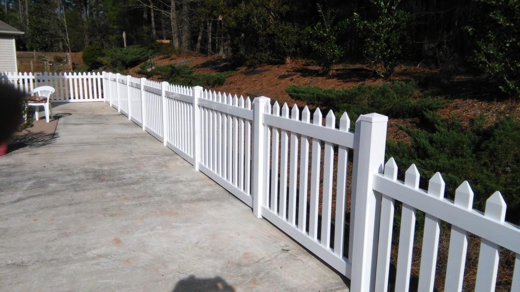 Residential Fences Vinyl Mcintyre Fencing